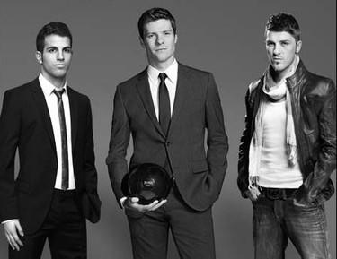Cesc Fabregas, David Villa y Xabi Alonso ¡elegantes y huelen como los ángeles!
