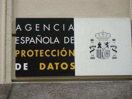Protección de Datos (AEPD) multa a una Fundación por enviar un correo sin copia oculta a mil destinatarios