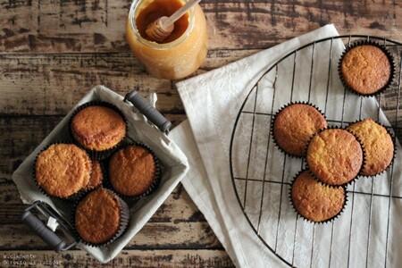 Magdalenas de mantequilla y miel: receta dulce con sabor tradicional