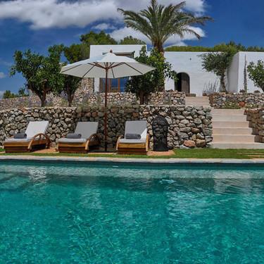 De estilo mediterráneo o contemporáneas, así son las piscinas que más nos gustan a los españoles