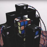 Este robot puede resolver un cubo de Rubik en un segundo