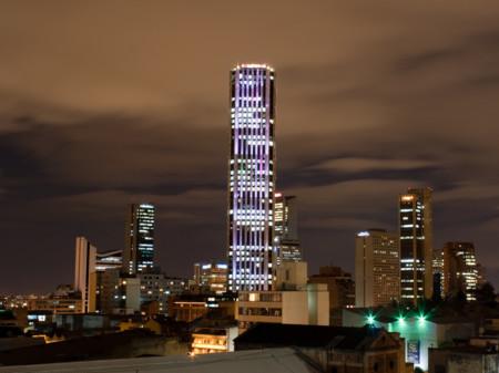 Ayuda a encender la torre Colpatria el 7 de diciembre completando estos retos en Facebook