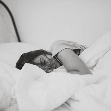 Carta de almohadas en casa: cinco tipos de distintos tejidos y grosores