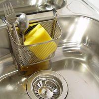Siete trucos y consejos para mantener tu fregadero en perfecto estado de revista