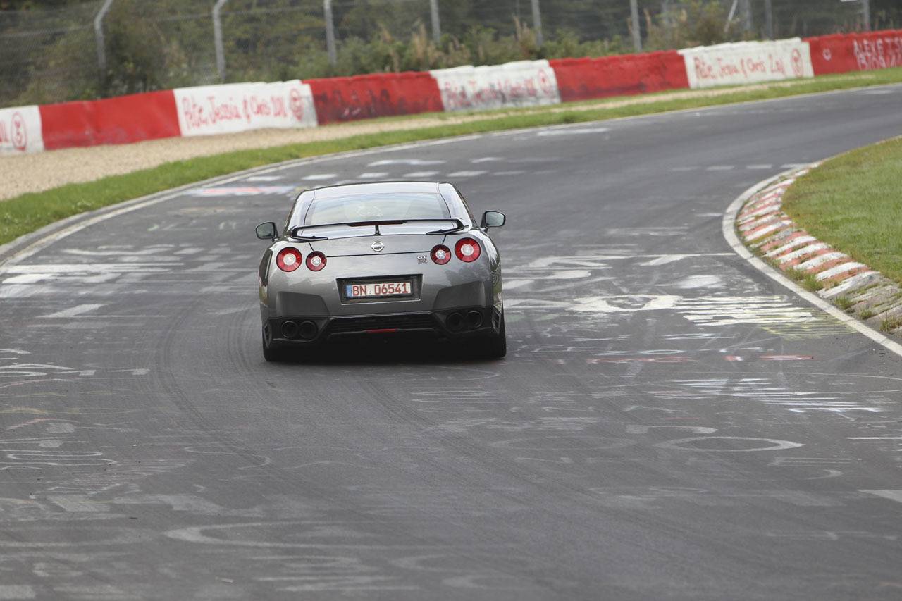 Foto de Nissan GT-R 2012 (40/63)