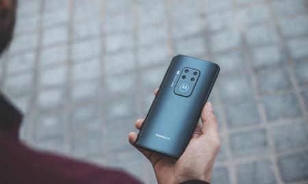 Disfrutar de las 4 cámaras del Moto One Zoom sale más barato en Amazon: 349 euros o 319 euros si eres de Prime Student