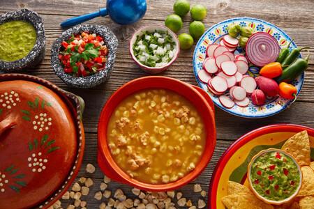 7-tipos-de-pozole-como-se-hace-cada-receta-verde-blanco-rojo
