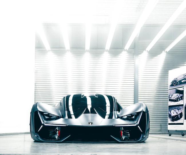 Lamborghini ya está pensando en un Hypercar V12 para competir contra el Aston Martin Valkyrie