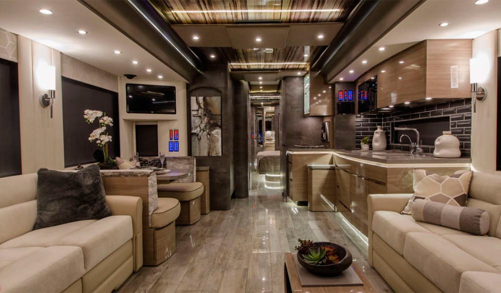 Con 55 m² esta autocaravana de hiperlujo diseñada por Porsche es más grande que un loft y cuesta 1,8 millones de euros