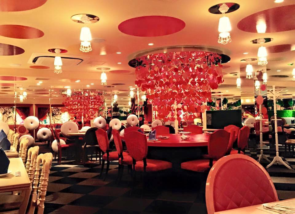 Los restaurantes de alicia en el pa s de las maravillas en - Restaurante tokio madrid ...