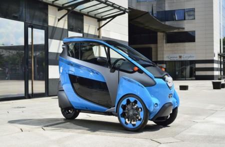 Toyota Iroad Azul