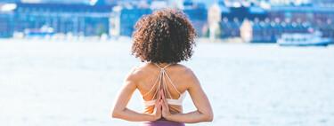 Siete expertos y aficionados al Yoga nos hablan de cómo se sienten al hacerlo y por qué no lo cambiarían por nada
