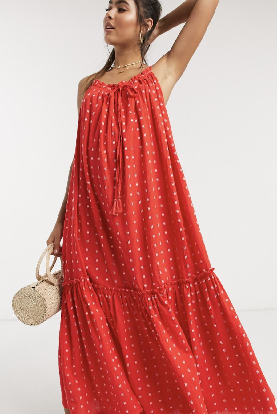Vestido largo de playa con cuello subido en rojo de Accessorize