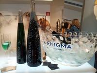 """Enigma Luxury, las espectaculares botellas del """"champán azul"""""""