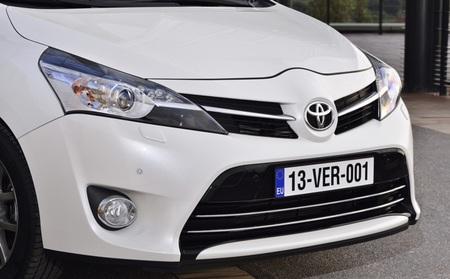 Toyota Verso 2013 01