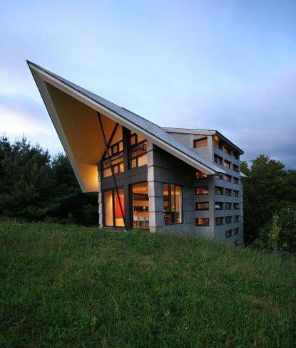 La espectacular fachada de YH2 Arquitecture. Casa de campo de lujo en Quebec, Canada.