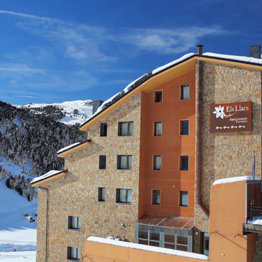 ¿Buscando plan de escapada para diciembre? Els Llacs, un alojamiento diferente en plena montaña