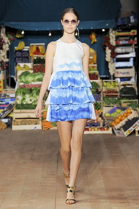 Foto de Moschino Cheap and Chic Primavera-Verano 2012 (26/28)
