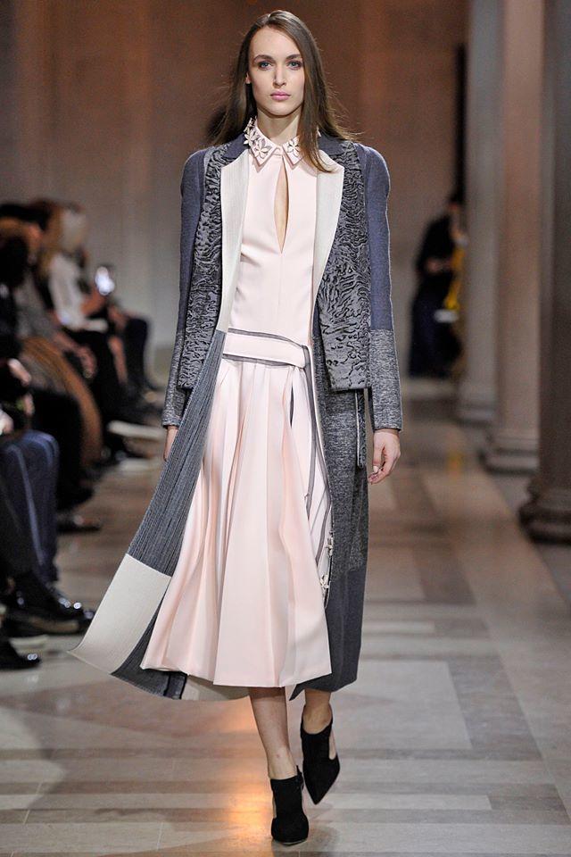 Foto de Carolina Herrera Otoño-Invierno 2016/2017 den la Semana de la Moda de Nueva York (12/37)