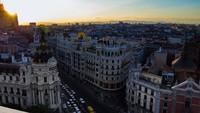 ¿Bajar impuestos y pedir más dinero? Madrid es así