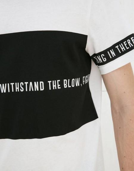 Bershka lo sabe: blanco y negro en su nueva colección para recibir la primavera