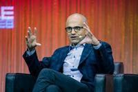 Microsoft mantiene el pulso en su 'batalla' por virar su negocio hacia la nube
