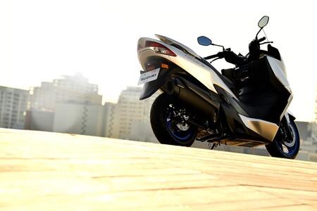 Suzuki Burgman 400 2021 028