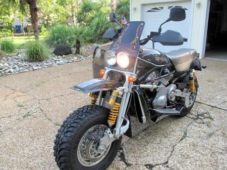 De Harley Davidson a sidecar para el desierto