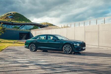 Bentley Flying Spur Hybrid 2021 002