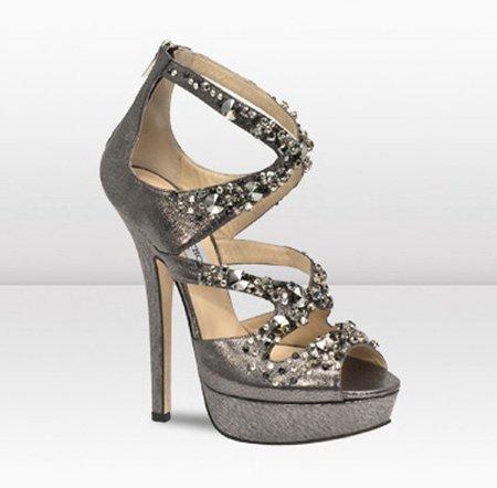 El modelo Zafira de Jimmy Choo: tacón, glamour y cristales Swarovski en una sandalia de lujo