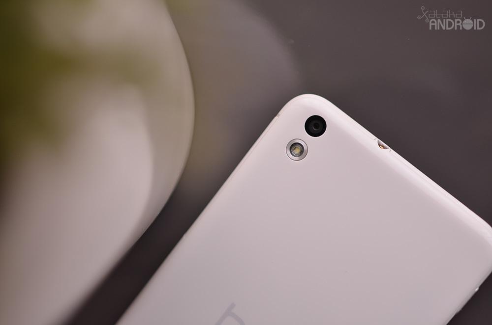 Foto de HTC Desire 816, diseño (13/16)