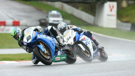 British Superbikes 2012: Jon Kirkham sale a flote en el naufragio del BSB
