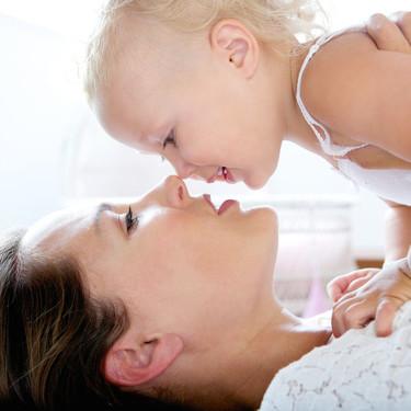 El apego seguro en los primeros años de vida, influye positivamente en la capacidad de aprendizaje y el desarrollo emocional