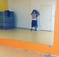 Que alguien me explique el bailecito/magreo de Justin y Selena, por favor