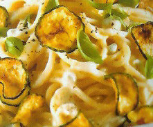 Espaguetis con calabacín y queso
