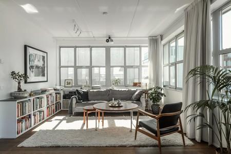 El gris es una apuesta segura en decoración y este piso en Estocolmo lo demuestra