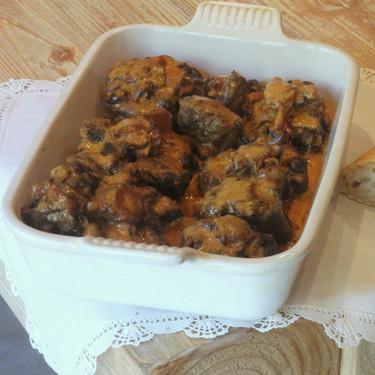 Rabo de toro guisado a la manera tradicional con la receta de la Cofradía gastronómica del rabo de toro cordobés