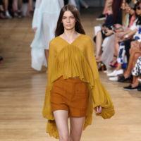 Clonados y pillados: la blusa de Chloé que se transformó en un vestido de Mango