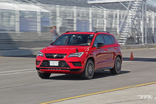 Manejamos al CUPRA Ateca, la metamorfosis perfecta de un hot hatch hacia un SUV (+ video)