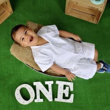 Adrián tiene 15 meses pero ni sostiene la cabeza ni se sienta a causa del síndrome de West: una operación puede ayudarle