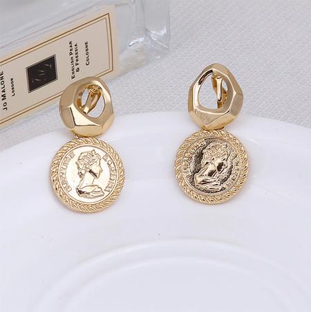 Nuevo ZA Vintage redondo oro reina tótem moneda Clip en pendientes sin Piercing para mujeres sin agujero en la oreja joyería de moda geométrica