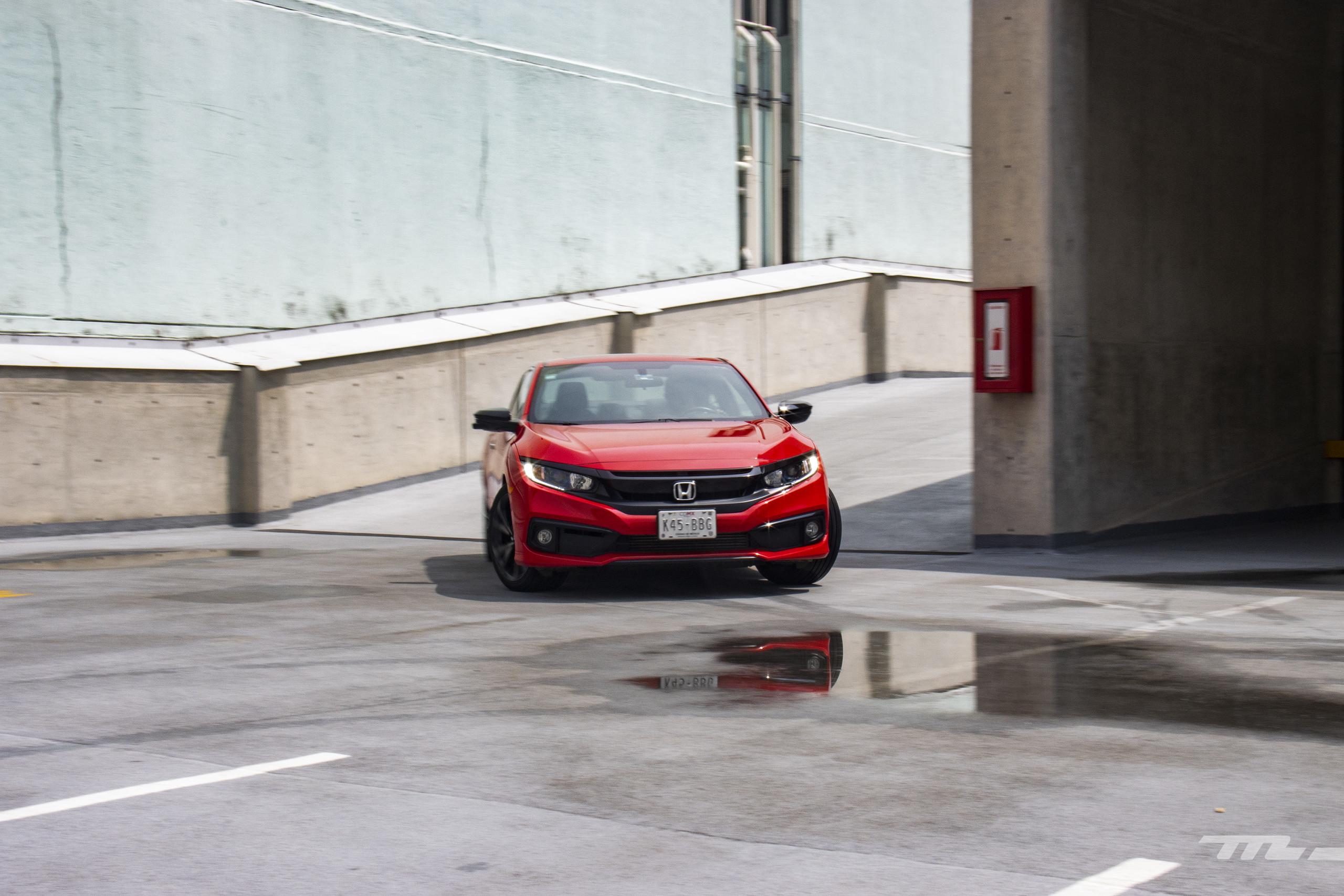 Foto de Honda Civic Coupé 2020 (48/70)