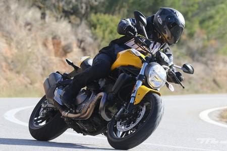 Ducati Monster 821 026
