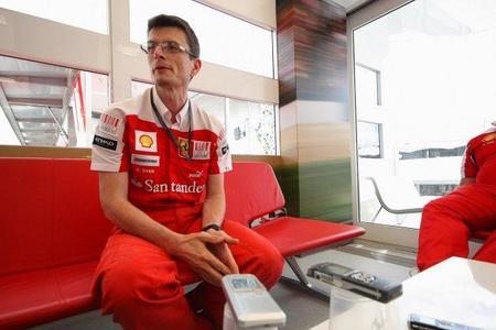 Chis Dyer abandona Ferrari