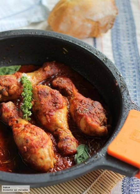 Muslos pollo guisados con tomate