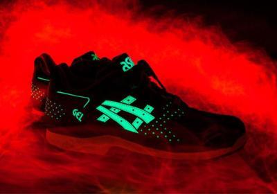 ASICS Glow In The Dark: nadie podrá dejar de mirar tus zapatillas. ¡Ni siquiera en la oscuridad!