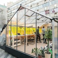 Arquitectura efímera en la ciudad; Enorme Studio y MINI diseñan una oficina portátil y punto de encuentro ubicada en plena plaza de Luna