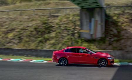 El Jaguar XE bate un récord en el viejo Circuit de Charade