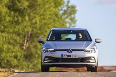 Volkswagen Golf 8 frontal