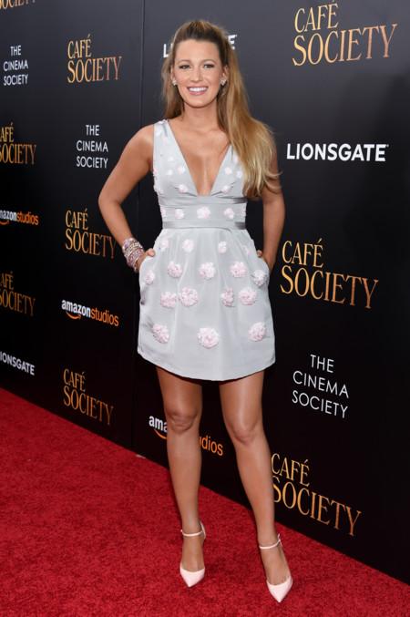 Kristen Stewart Chanel Blake Lively Carolina Herrera Cafe Society Nueva York 3